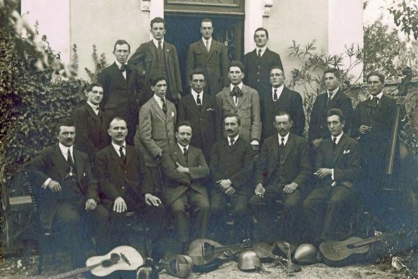 gruppo-mandolinistico-19234FECC044-3881-5232-1913-5822EEBB4920.jpg