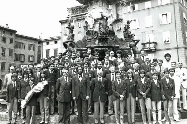 piazza-duomo-19833499766F-A466-F3C3-1D11-F3DF0FD87774.jpg